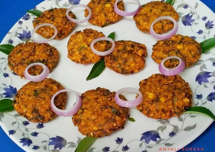 Recipe of Any-night-of-the-week Parippu Vada !!