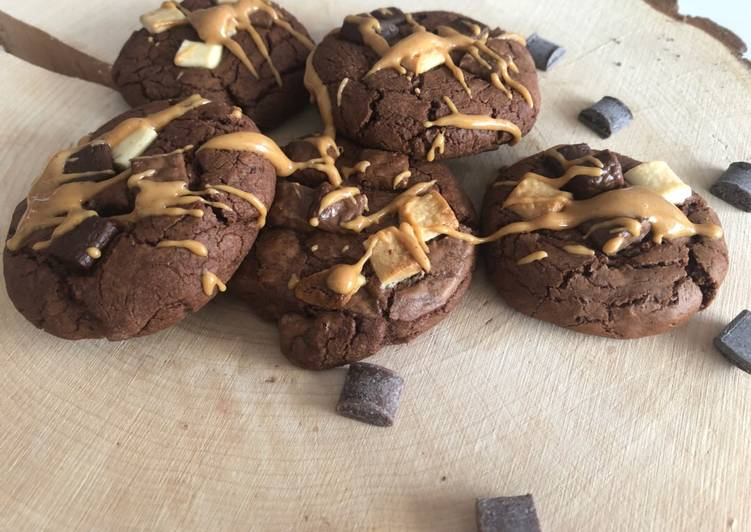 Easiest Way to Prepare Homemade Outrageous cookies choco/beurre de cacahuète