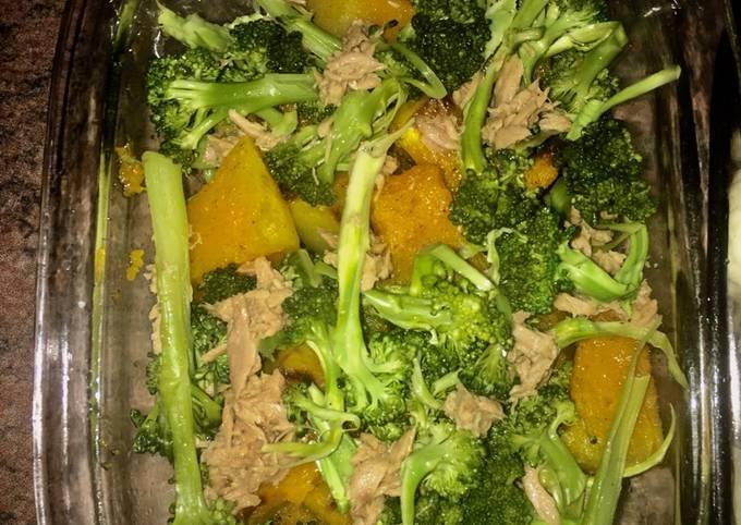 Broccoli, pumpkin and tuna salad
