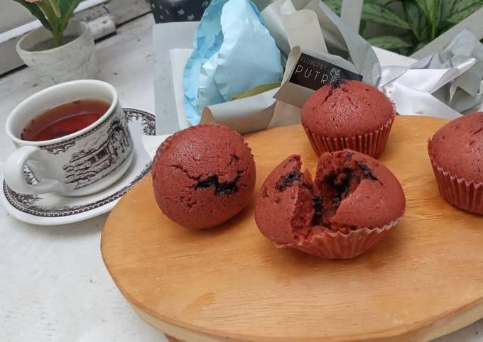 Red velvet choco muffin