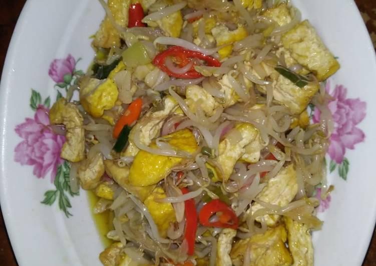 Tumis tauge with tofu (tahu)