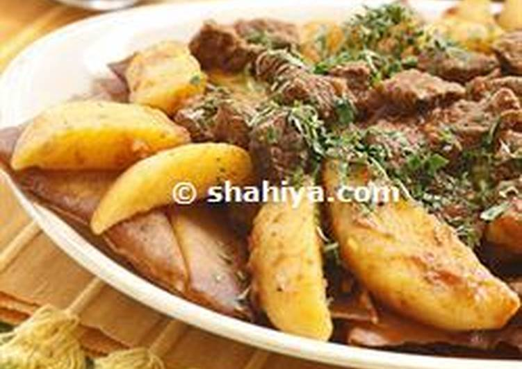 How to Prepare Delicious Tharyd: Meat and Potato Stew