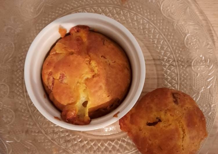 Muffins : bacon, mozzarella et olives vertes