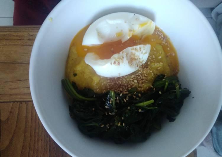Comment Préparer Des Polenta crémeuse et épinards, surmonté d'un oeuf poché