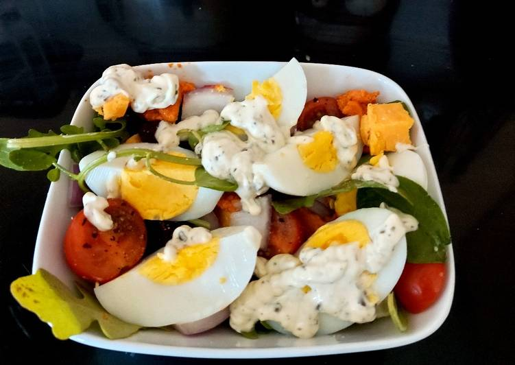 My Hot Day Salad 🥰🍓🥒🧀🥚