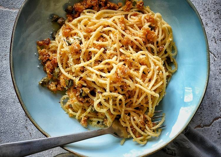 Simple Way to Make Ultimate Spaghetti With Capers, Anchovies & Breadcrumbs