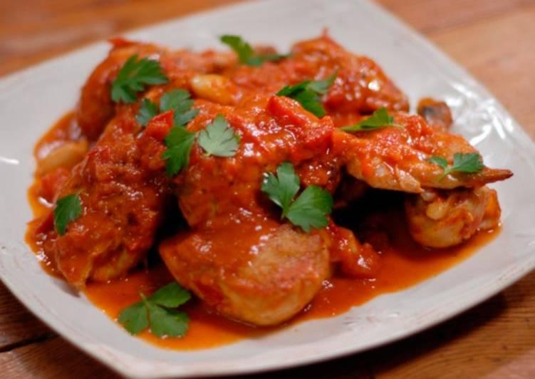 курица с овощами и томатной пастой