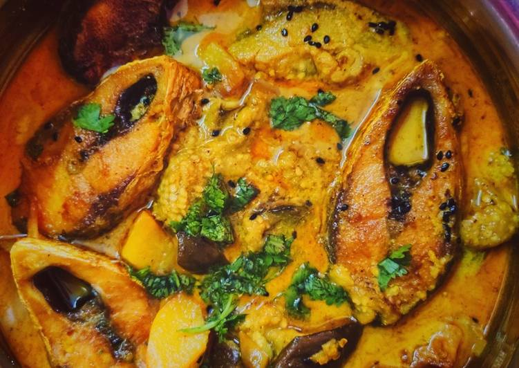 How to Prepare Speedy Hilsa fish cooked with aubergine in a mustard gravy