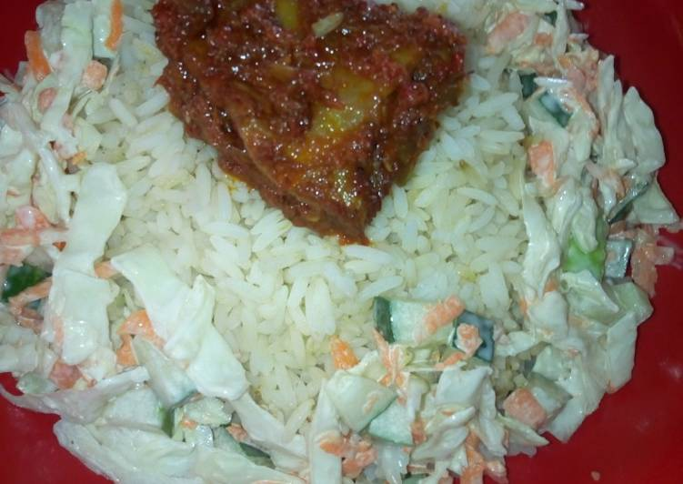 How to Make Delicious White rice and salad and Stew chicken