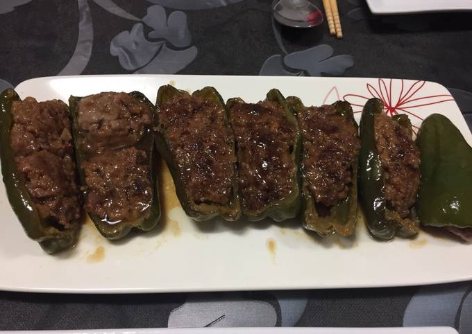 Hamburger stuffed with green peppers
