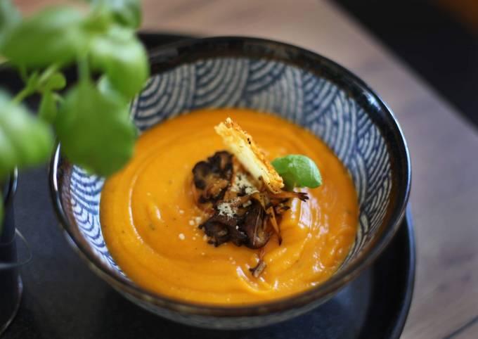 Velouté de potimarron pecorino basilic