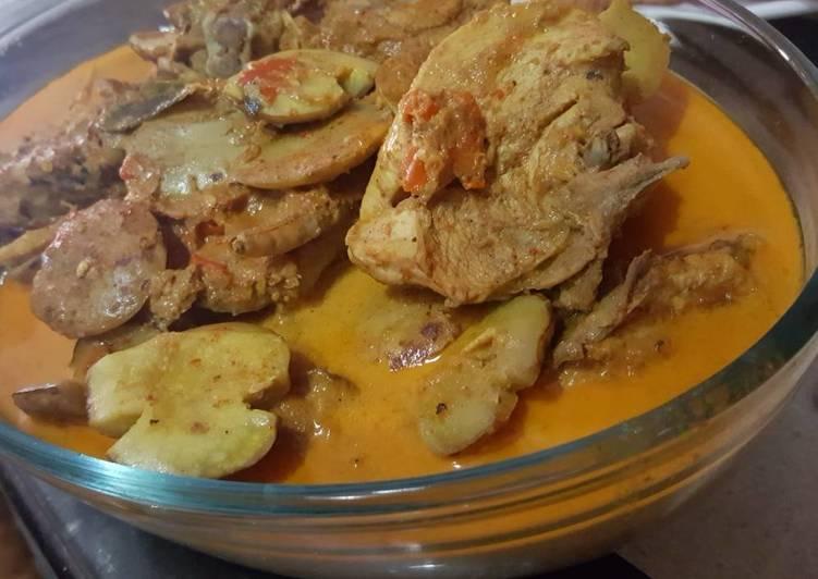 Gulai Ayam Campur Jengkol Ala Padang