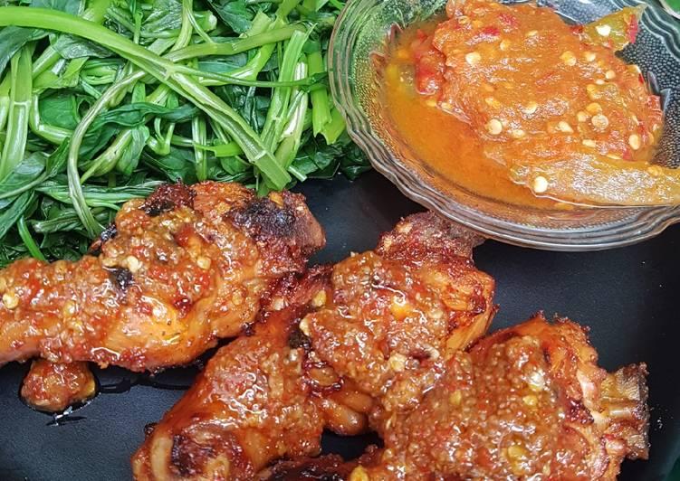 Ayam Taliwang & Plecing Kangkung Sambal Mentah