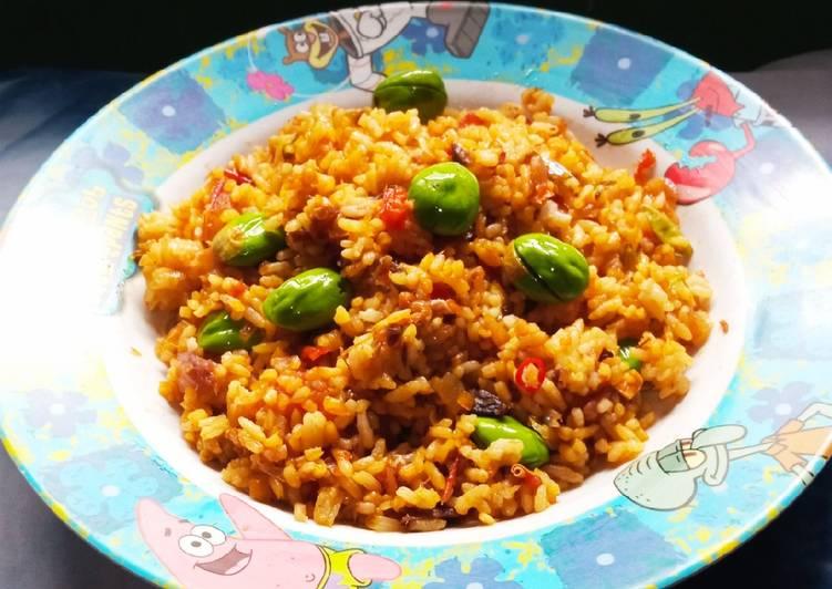 Nasi goreng pete ikan asin