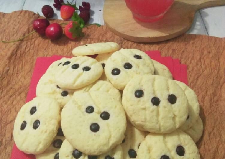 Cheesy Cornstrach Cookies (Cookies Maizena Keju)