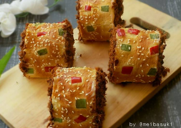 Beef Floss Roll Bun (Roti Gulung Abon Sapi)