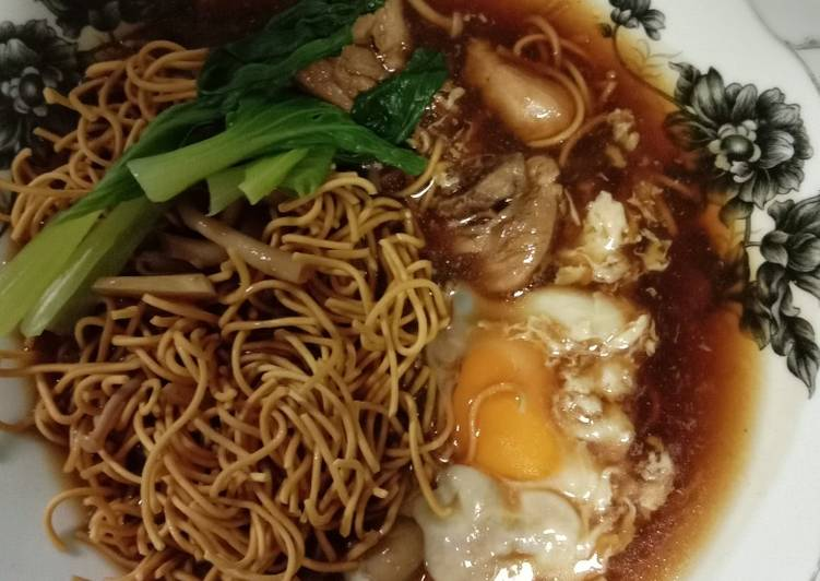 Yee Mee ala ala food court