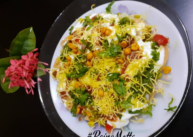 Sprouts Papdi Chaat