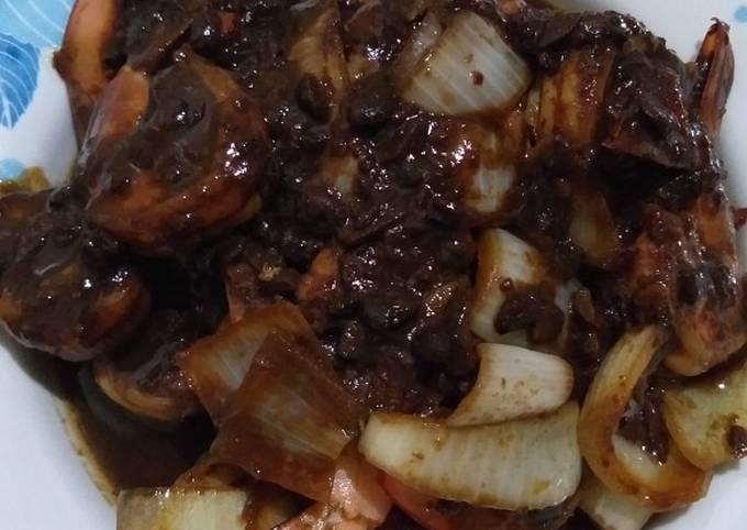 Udang masak tauchu