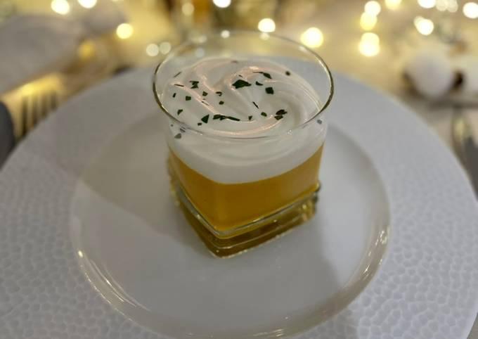 Crème de carottes chaude & nuage de chantilly