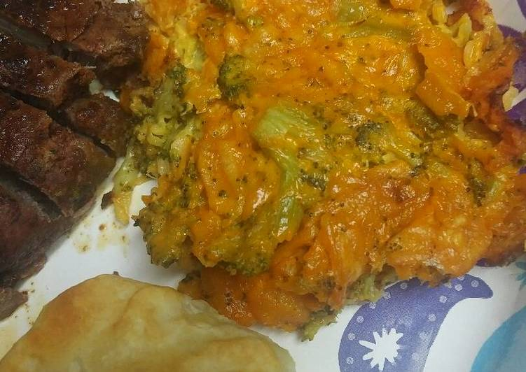 Cheesy Broccoli and Potato Chip Casserole