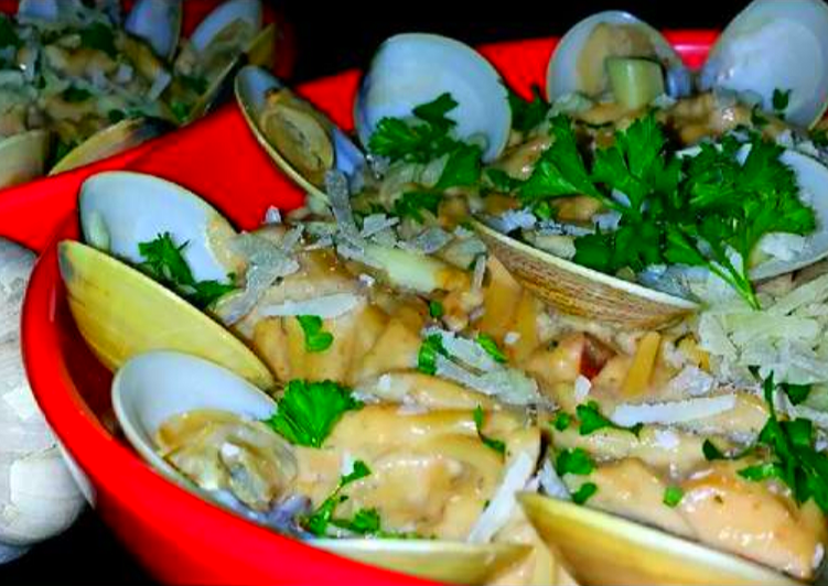 Mike's EZ Garlic Clam Linguine Alfredo