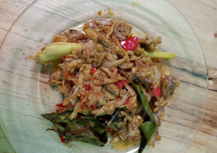 Ayam Suwir Bumbu Bali