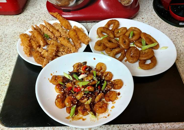 How to Prepare Any-night-of-the-week My Chilli, Garlic Prawns in a Sauce with some tempura prawns 🥰