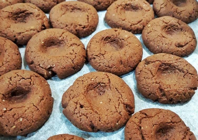 Biscotti morbidi alla crema di nocciole