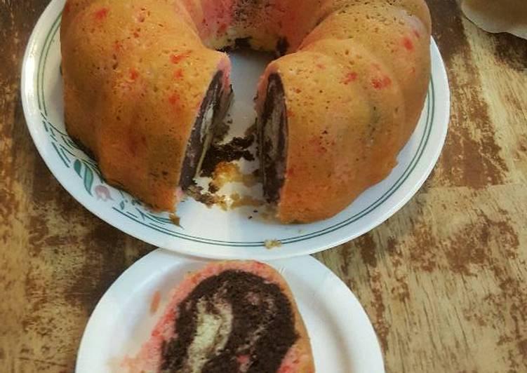 Neapolitan cake Bundt pan