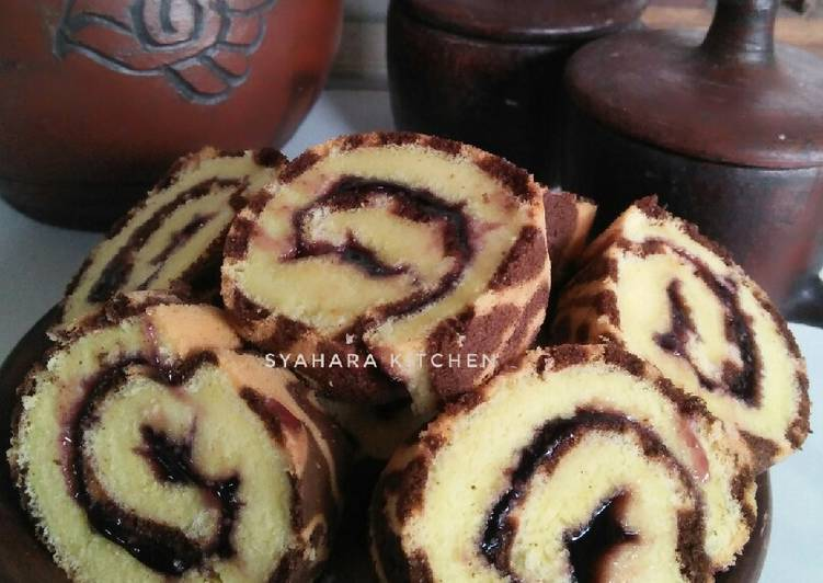 - 3 Roll Cake