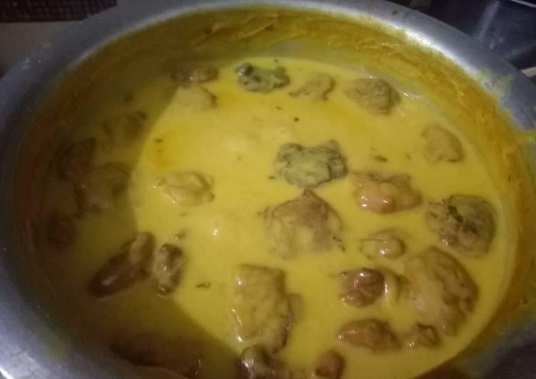 Recipe of Super Quick Homemade Yogurt tamarind khatti kadhi with pakora..