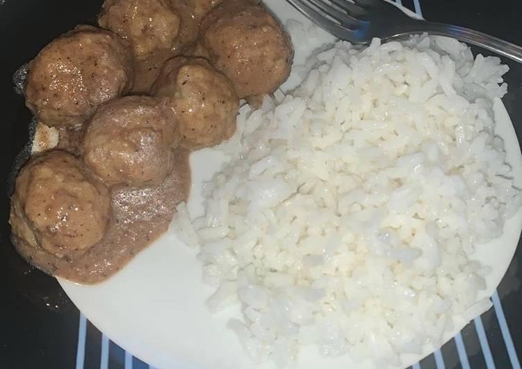 Albóndigas en salsa de almendra y arroz 🍚 🤤🤤