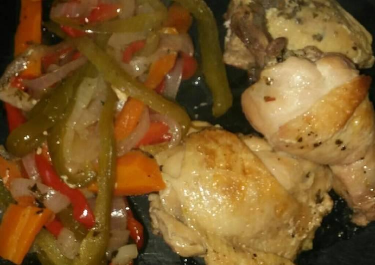 Pollo Al Vino Blanco Sobre Colchón De Verduras Receta De Gustavo Ariel Cookpad