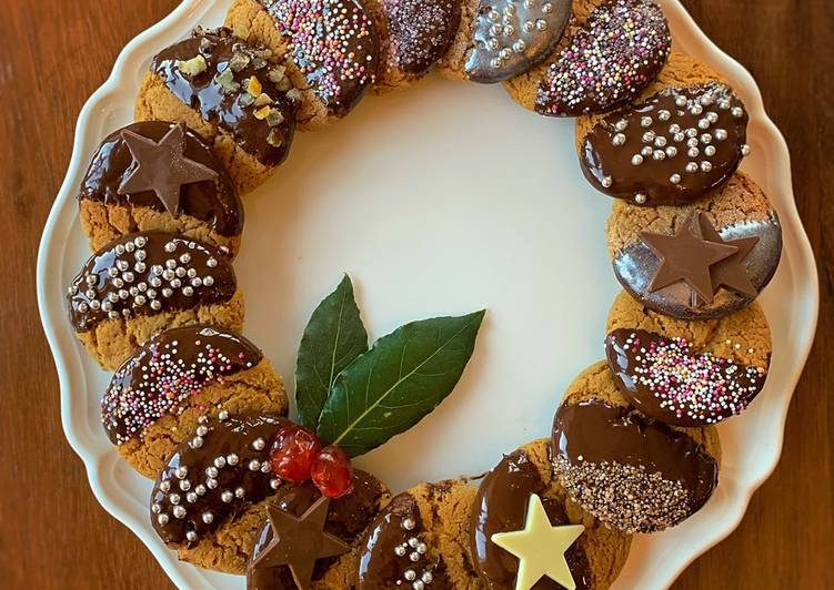 Easiest Way to Make Appetizing Christmas Ginger biscuits