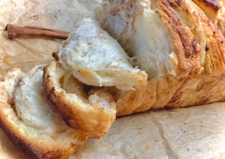 Chlebek cynamonowo-miodowy do odrywania główne zdjęcie przepisu