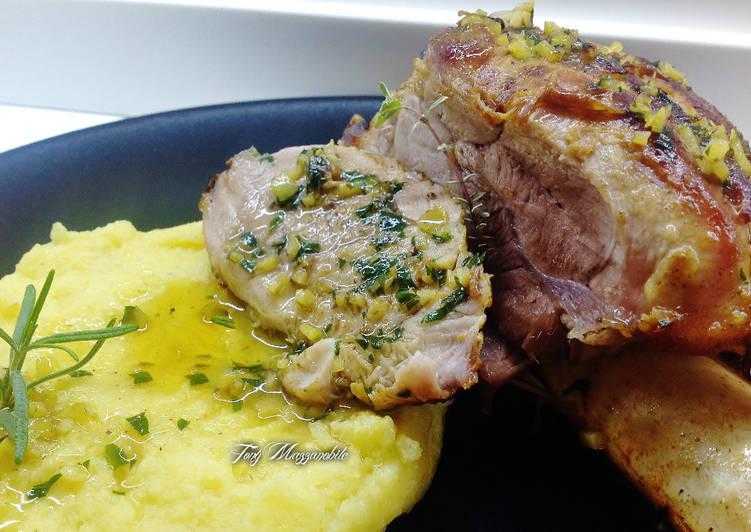 Stinco di maiale con salsa gremolada e polenta