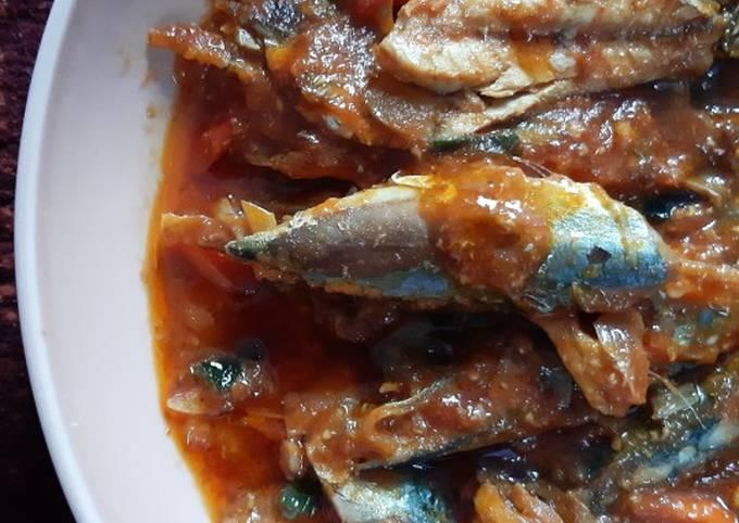 Ikan layang saus sarden