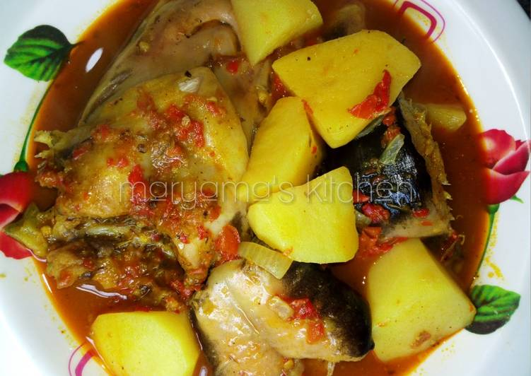 How to Prepare Favorite Peppered catfish with potatoe