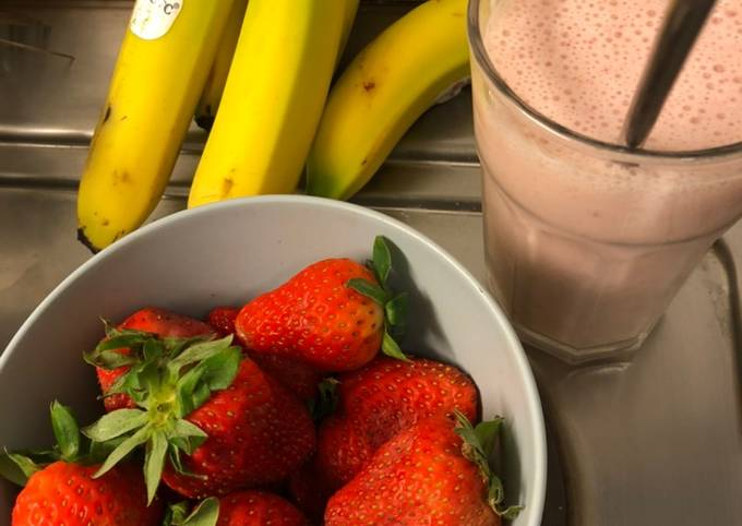 Strawberry Pisang Smoothie