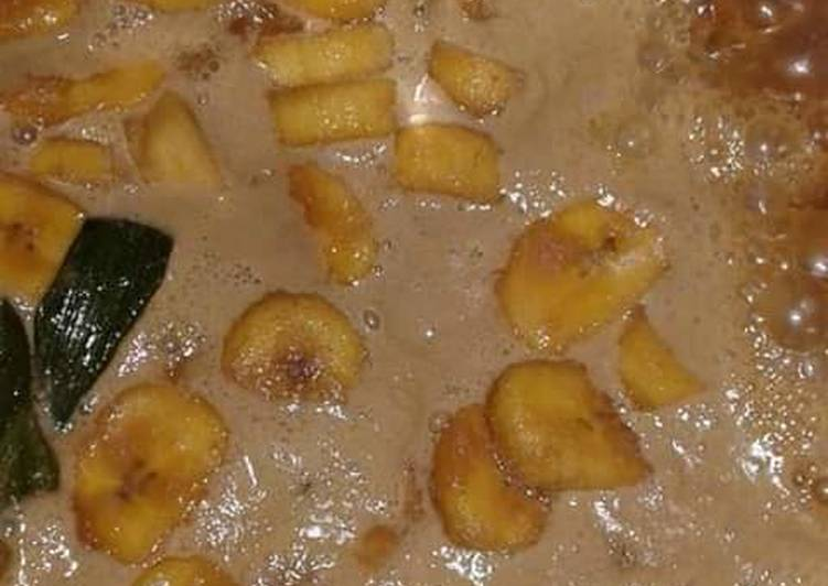 Kolak pisang (pisang kepok)