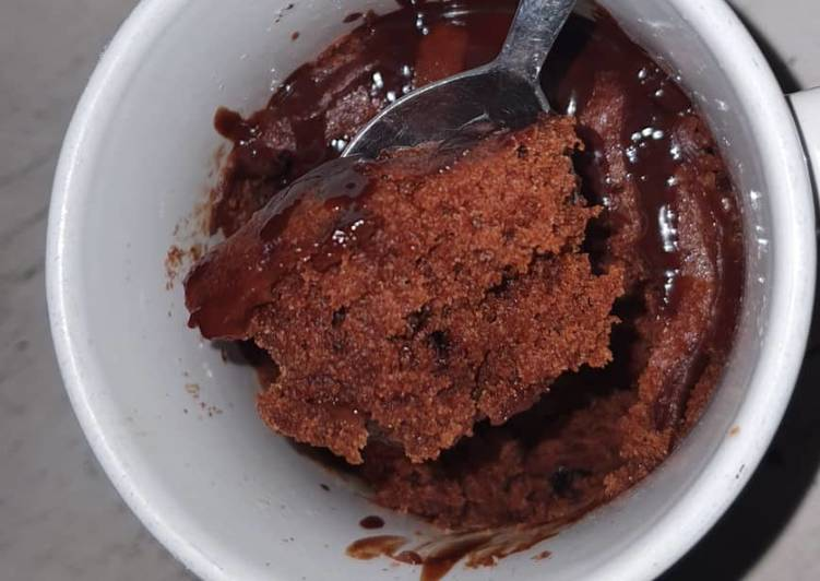 5 minute Chocolate mug cake (Eggless)