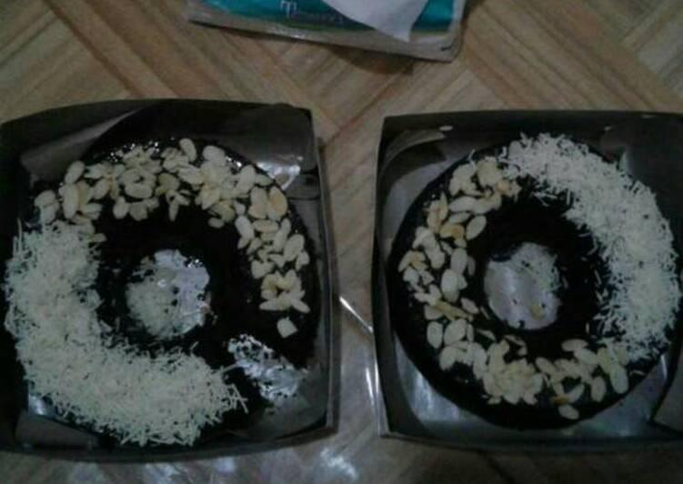 Brownies topping keju almond