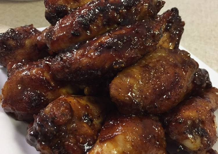 Chicken Wings with Honey Spicy BBQ sauce