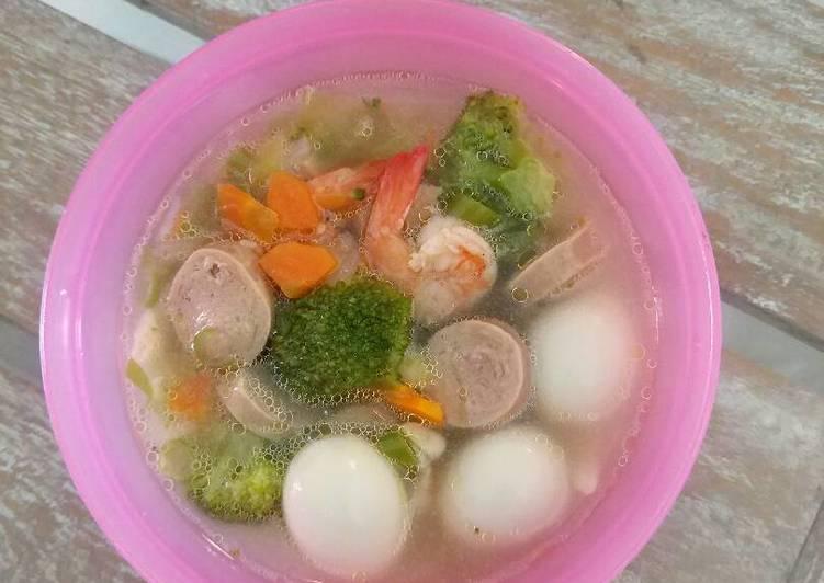Sop sosis telur puyuh untuk anak 12m+ (mpasi)