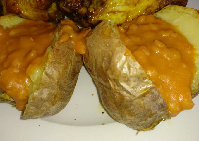 Air Fried Baked Potato With Cheesy Baked Beans