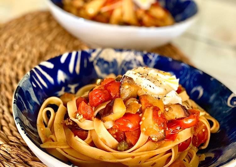 Pasta Con Berenjena Tomates Y Mozzarella Fresca Receta De Irene Guirao Cookpad