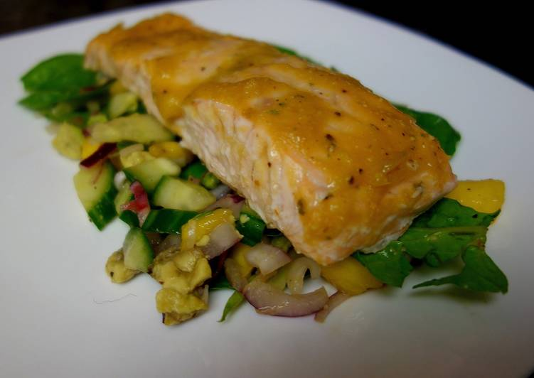 Award-winning Baked salmon with mango sauce