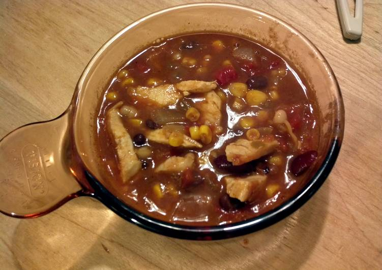 Nate's Oh so easy 3 bean chicken chili