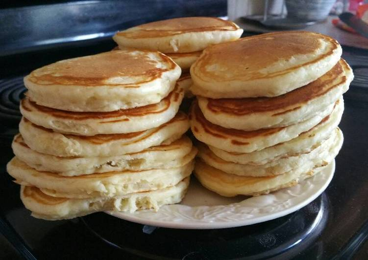 Buttermilk Pancakes (Alton Brown)
